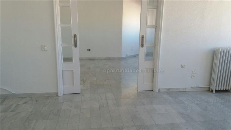 Oficina En Santa Isabel  <span Class='precioportada'> 700&euro;</span>